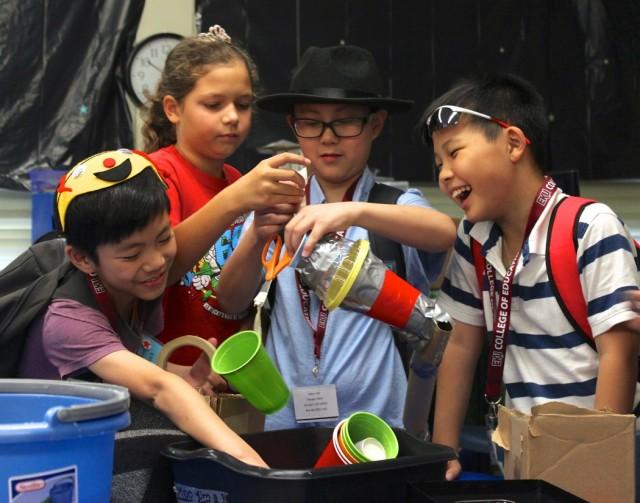 hong_kong_students-camp_invention