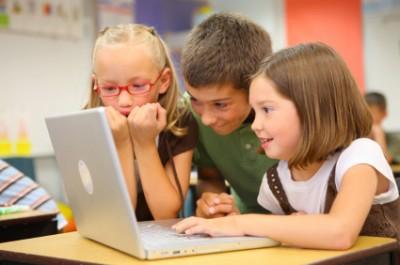 kids-on-a-computer